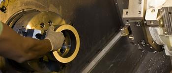 Lavorazione del giunto PN100 al tornio/Lathe work on a ANSI600 joints