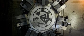 Particolare di un vecchio tornio/Component of an historical lathe machine