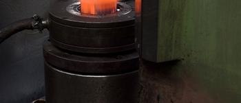 Forgiatura a caldo/Hot forging